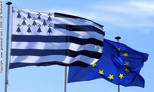 Drapeaux breton et EU